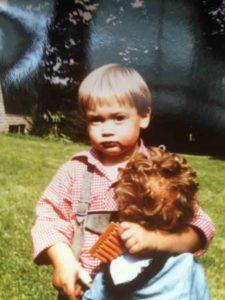 Mario Klintworth Personal Trainer mit Puppe